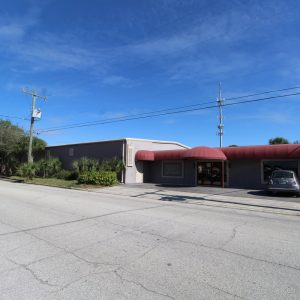 11,400 SF Showroom/Office/Warehouse w Fenced Parking/Storage