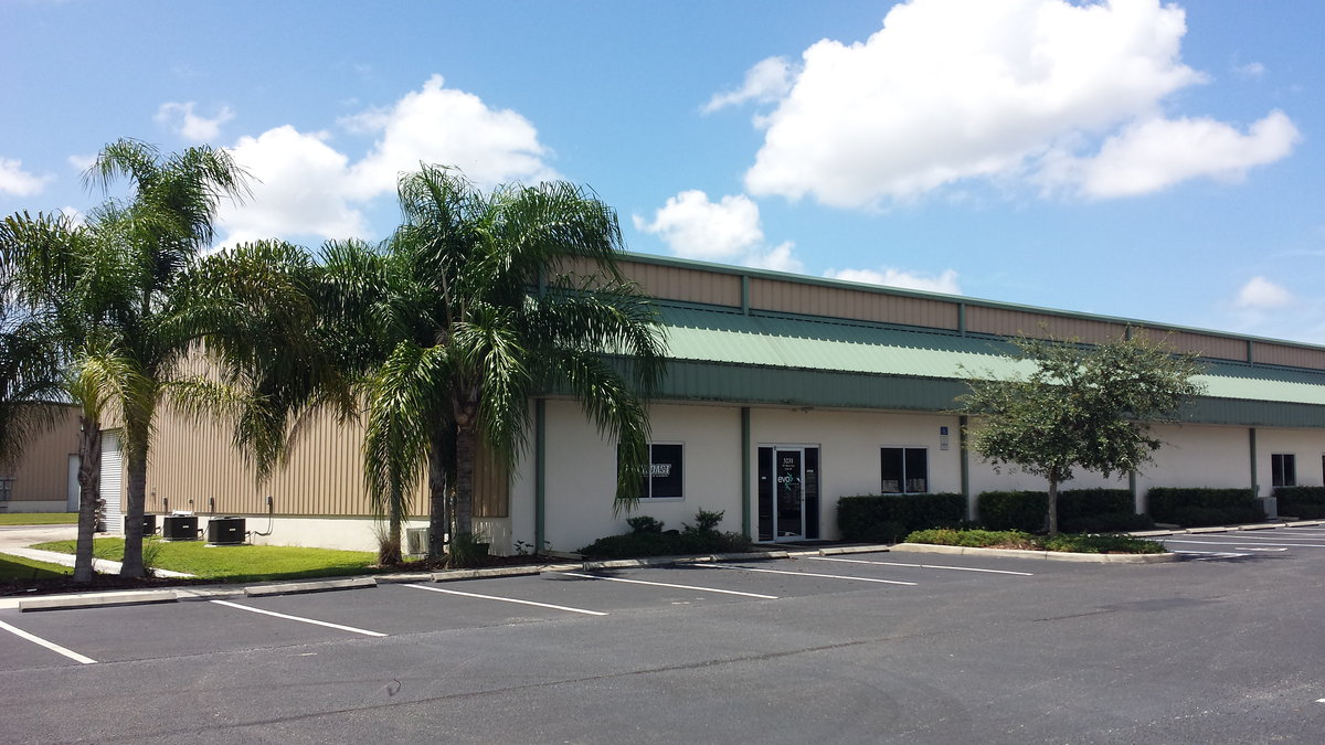 7,000 SF Fully Air-Conditioned Building with 4 Roll-up Doors 3231 59th Drive East, Unit: 101, Bradenton, FL 34203