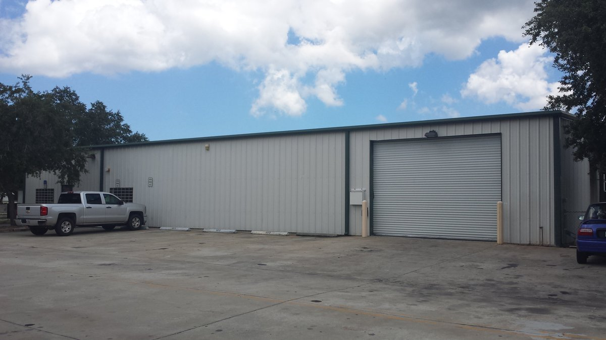 5,000 SF A/C Warehouse with Storage Yard and 3 Phase Power! 5012 US-41, Palmetto, FL 34221