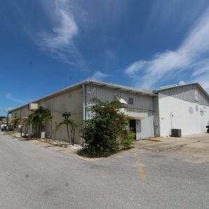 17,500 SF with 3 Phase, Loading Docks & Fenced Storage