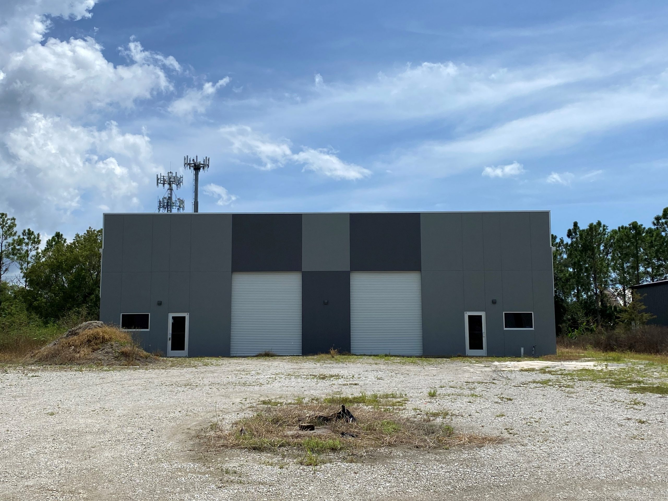 New 7,500 SF Free-Standing Office/Warehouse